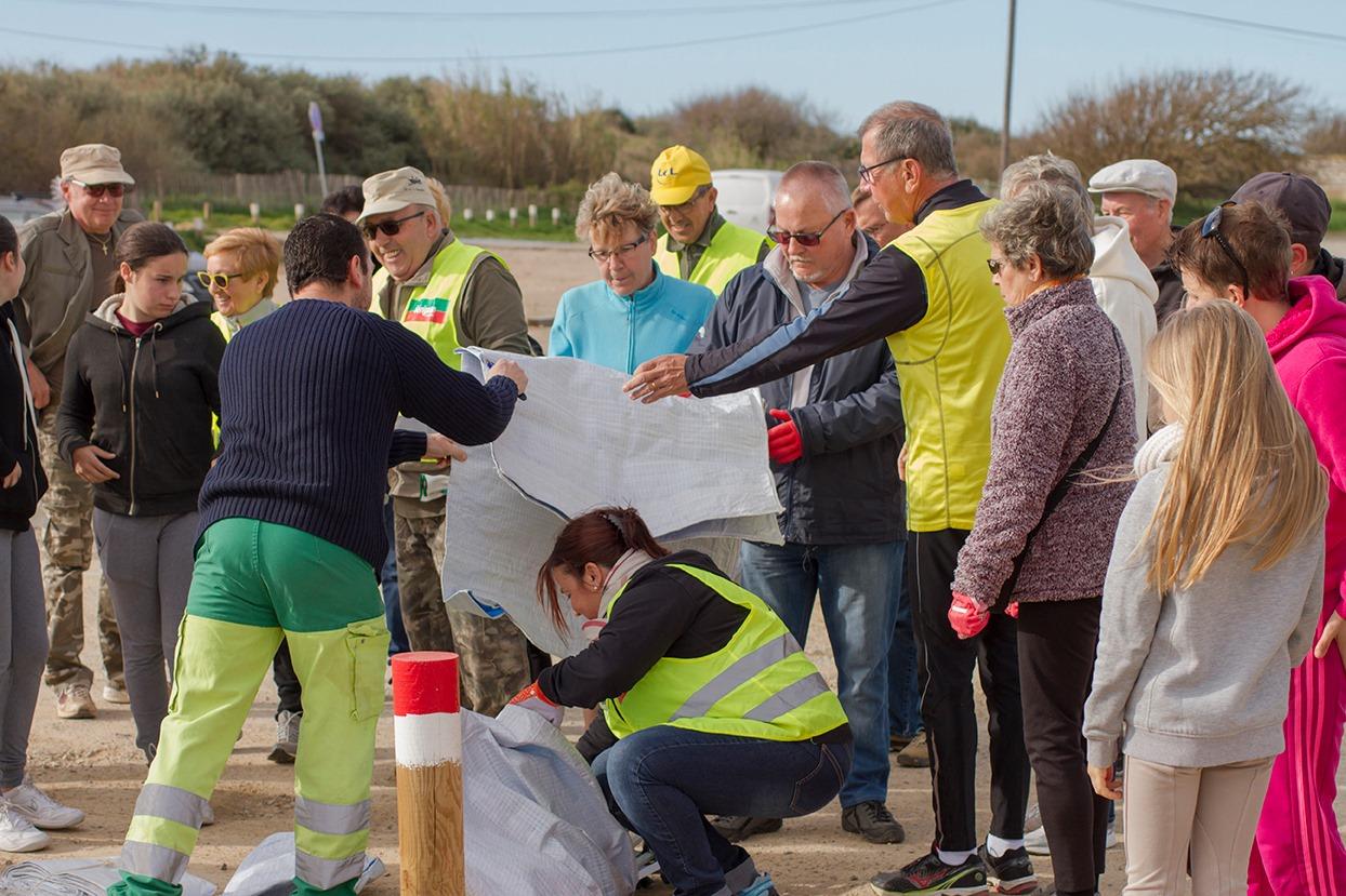 Opération nettoyage des abords de Sérignan